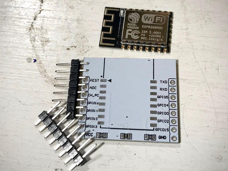 Hvordan programmere en ESP8266 (ESP-12F)